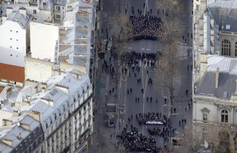 Paris_Hebdo_Demo