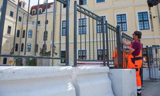 barricade bilderberg_0