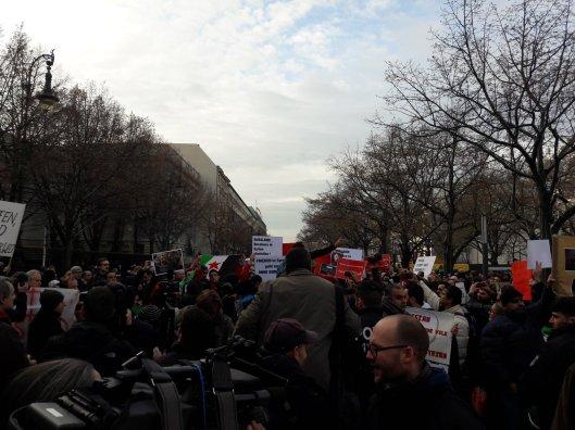 berlin_demo_botschaft_russland_aleppo2